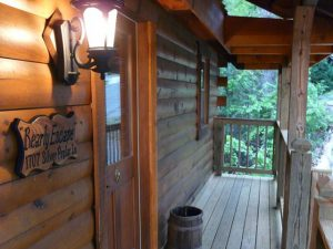 bearly-escape-cabin-17